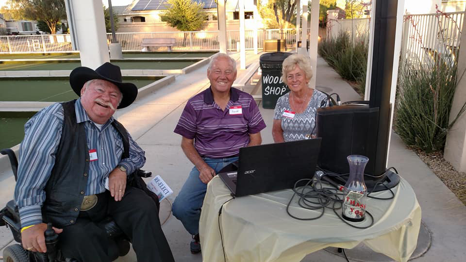 Councilmember Winters with residences of Arizona Traditions
