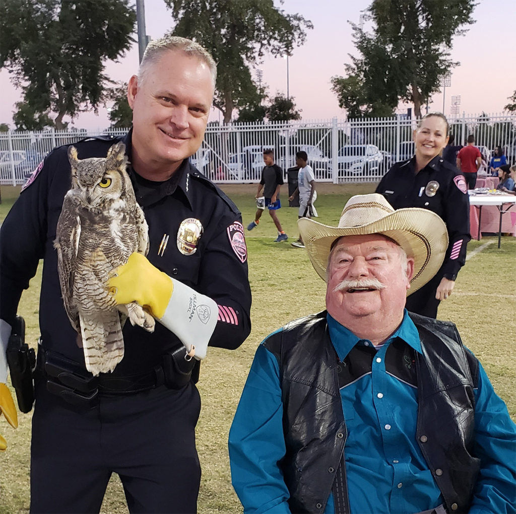 Vice Mayor Winters with Surprise Chief of Police, Terry Young, who holds a rehabilitated owl.